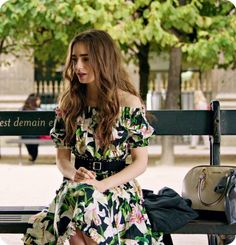 Lily Collins Casual, Lily Collins Style, Lily Collins Fashion, Lily Collins Dress, Paris Outfits, Paris Dresses, Botas Outfit, Stylish Outfits, Fashion Outfits
