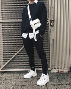 32 Ideas for sweatshirt street style women Korean Fashion Men, Korean Street Fashion, Fashion Mode, Aesthetic Fashion, Aesthetic Clothes, Fashion 2020, Urban Fashion, Street Style Men, Boys Fashion Style