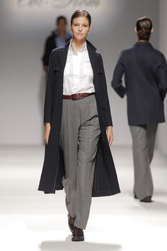 Tot-hom_FW15 #tothom #pretaporter #elegancia #modamujer #moda #fashion #desfile #fw15 #Barcelona #Madrid #tendencia #model #modelo #abrigos #pantalon #vestido #oversize #marron #negro #coloroscuro