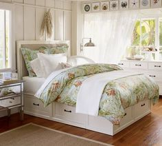 Inspiration for platform bed with storage. Stratton Storage Platform Bed with Drawers Barn Bedrooms, Home Bedroom, Bedroom Furniture, Bedroom Decor, Master Bedrooms, Bedroom Ideas, Airy Bedroom, Upstairs Bedroom, White Furniture