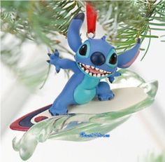 Surfing Stitch Ornament! WHERE CAN I FIND THIS!!! Disney Christmas Decorations, Disney Ornaments, Disney Holidays, Christmas Story Books, Christmas Stuff, Christmas Tree, 626 Stitch, Disney Love, Disney Stuff