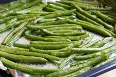 Roasted Parmesan Green Beans  Servings: 4 • Serving Size: 1 cup •Old Points: 1 pts • Points+: 2 pts  Calories: 62.4 • Fat: 2.9 g• Carbs: 8.0 • Fiber: 3.8 • Protein: 2.7 g• Sugar: 0  Sodium: 38.4 mg (without salt)    Ingredients:    12 oz green beans, trimmed (make sure they are dry)  2 tsp olive oil  kosher salt + fresh cracked pepper to taste  1/4 tsp garlic powder  1 1/2 tbsp shredded parmesan    Directions:     Preheat the oven to 425°F. Line a baking sheet with aluminum for easy…