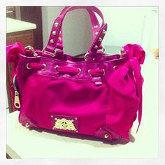 <3 juicy couture purse