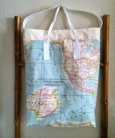 Bolsa Mapa Multibulsillos / Multipocket Map Tote Bag (diy) | SLOANE STREET Diy Tote Bag, Reusable Tote Bags, Pouch, Sewing, Maps, Worldmap, Purse, Map Fabric, Satchel Handbags