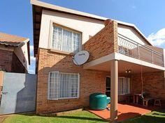 3 Bedroom Flat For Sale in Boksburg 3 Bedroom Flat, Starter Home, Flats For Sale, Kingston, Investors, Pergola, Home And Family, Shed, Real Estate