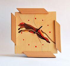 Reloj de pared de madera de abedul y ayous con incrustaciones de colores