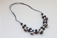 CO GRANATE   Collares Ernesto de Barcelona para mujeres, hechos a mano a partir de material reciclable, es una combinación perfecta de diseño y calidad