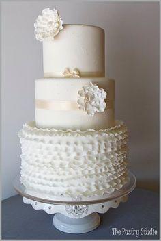 Amazing White Cakes Wedding Cakes Photos on WeddingWire Wedding Cake Photos, White Wedding Cakes, Beautiful Wedding Cakes, Gorgeous Cakes, Wedding Cake Designs, Pretty Cakes, Wedding Ideas, Cake Wedding, Amazing Cakes