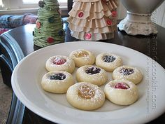 This thumbprint cookie recipe is probably one of the easiest cookies I've ever made. Throw all the ingredients together (all FIVE of them) and mix it all up. Refrigerate for an hour, roll them into balls, poke, bake, fill, bake. Done. Eat. When I was young, just married and before kids, I knew how toRead More »