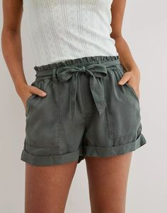 cute outfits for school ; cute outfits with leggings ; cute outfits for women ; cute outfits for school for highschool ; cute outfits for winter ; cute outfits for spring Cute Spring Outfits, Spring Fashion Outfits, Cute Casual Outfits, Summer Camp Outfits, Cute Summer Clothes, Summer Clothing, School Outfits, Casual Summer Outfits For Women, Fashion Shorts