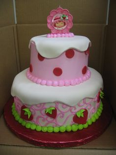 Strawberry Shortcake Cake....Adorable but still not as cute as mine!