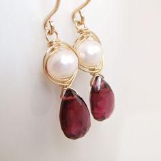 Granate y pendientes de perlas 14k oro relleno enero por aubepine