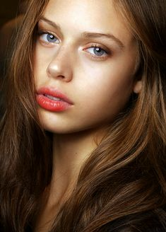 flushed lips and dewy skin = gorgeous