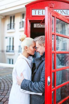 love story engagement photoshoot in London, autumn tower bridge, st katharine docks