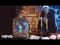 Sharon Van Etten - Every Time the Sun Comes Up (Official Video) - YouTube