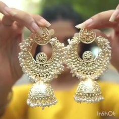 Indian Bridal Jewelry Sets, Indian Jewelry Earrings, Fancy Jewellery, Fancy Earrings, Gold Hoop Earrings, Gold Jewelry, Wedding Jewelry, Pearl Jhumkas, Gold Chain Design