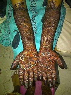 Bridal Mehandi Designs for hands and Legs here are some of the best Bridal mehndi designs for bride and Dulhan .