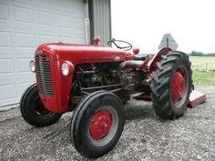 Vintage Tractor.Massey Ferguson 25 or 35