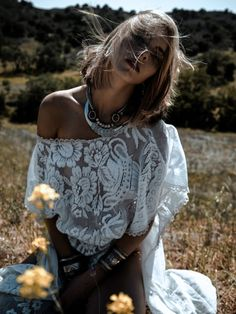 Sexy lace boho chic off the shoulder top for a modern hippie style. For the BEST Bohemian fashion trends for 2015 FOLLOW http://www.pinterest.com/happygolicky/the-best-boho-chic-fashion-bohemian-jewelry-gypsy-/ now.