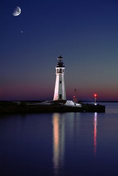 Lake Erie lighthouse and moon, at a Buffalo marina ..... by lastsnare99 on Flickr