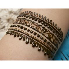 Henna band, arm design