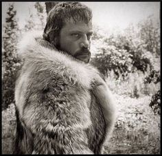 Sixties | Oliver Reed in The Trap, 1966 Oliver Reed, Mountain Man, Film Stills, Classic Films, Old Pictures, New Movies, Behind The Scenes, Actors, Ham