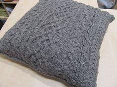 aran cable pillow case - pattern