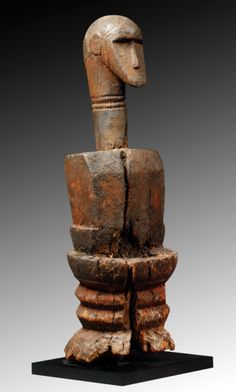 It comes from the village of Ganduá, in the region of Quinara (Guinea-Bissau). Nigeria Travel, Canada National Parks, Art Sculpture, Nalu, West Africa, Tibet, African Art, Things To Come, Statue