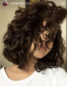 Trendy haircut curly hair medium curls layered hairstyles – – All About Hairstyles Haircuts For Wavy Hair, Permed Hairstyles, Short Curly Hair, Girl Haircuts, Layered Hairstyles, Short Curls, Short Hair Perms, Haircut Wavy Hair, Curly Hair Layers