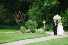 """""""You've probably heard that rain on your wedding day is good luck. This is because a knot that becomes wet is extremely hard to untie – therefore, when you """"tie the knot"""" on a rainy day, your marriage is extra hard to unravel. ☔ ⠀ .⠀ .⠀ .⠀ .⠀ Photo by Caroline Colvin Photography 