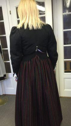 Vest-Agder bunad | FINN.no Waist Skirt, High Waisted Skirt, Tulle, Vest, Costumes, Norway, Skirts, Fashion, Moda