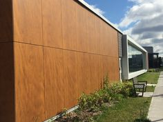 Project: Ecole Secondaire Antoine-de-St-Exupery | Architect: UN Architecture, Helene Roger | Product: Parklex Facade Copper | #brilliantbuildings