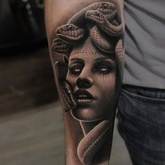 Medusa Tattoo | DUBUDDHA.ORG // Tattoo art shows that Medusa is a popular icon of beauty and hideousness. This is reflective of the wearer's ideas of beauty.