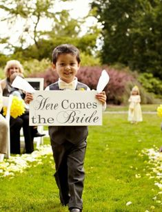 Here Comes The Bride Sign | Weddings Romantique