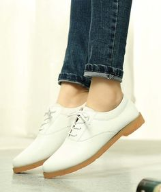 Women's #white leather #DressShoe casual work lace up style, sewing thread, Round toe design, leather upper and lining.
