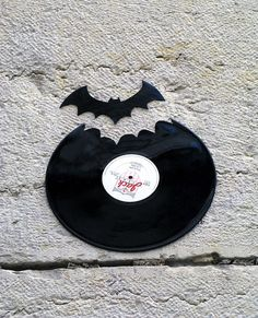 Awesome Vinyl Silhouettes of Bats and Birds by Kesa
