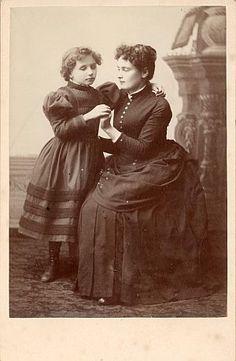 Pioneer Unit- Helen Keller Biography-A young Helen Keller with Anne Sullivan.