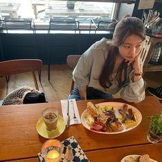 Suzy Drama, Nam Joohyuk, Weightlifting Fairy Kim Bok Joo, Japanese Aesthetic, Bae Suzy, K Idol, Korean Actresses, Indie Kids, Korean Outfits