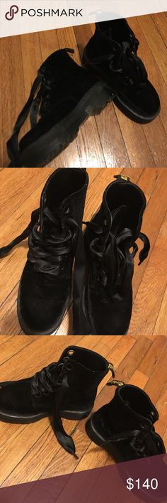 Only worn two times! Martens Shoes Lace Up Boots Women's Boots, Lace Up Boots, Dr Martens Black, Fashion Tips, Fashion Design, Fashion Trends, Black Velvet, All Black Sneakers, Buy And Sell