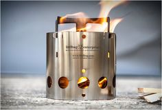 ULTRALIGHT COLLAPSIBLE BACKPACKING STOVE - http://www.gadgets-magazine.com/ultralight-collapsible-backpacking-stove/