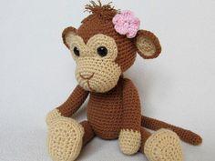 Affe Julie Häkelanleitung  Detaillierte Anweisungen und Bilder helfen Ihnen die Affe zu erstellen.   *Material:*  -Strickgarn mit ca. 150m/50g (Polyacryl) oder 120m/50g (Baumwolle)  -- < 50g...