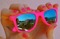 summer summer summer ~ I've go my cool pink shades and my pink manicure ~ I'm styling