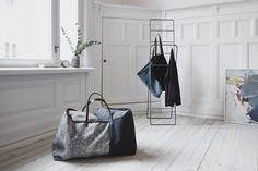 A Redesign Of The IKEA Blue Tote Bag That Is Big On Both Functionality And Style