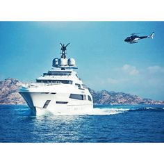 Love the silhouette of Galactica Star. Built by #heesen designed by #omegayacht