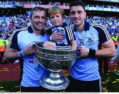 2013 - Alan, left, celebrating Dublin's 2013 All-Ireland win with his son Jamie and brother Bernard Dublin, Ireland, Brother, The Past, Football, History, Soccer, Futbol, Historia