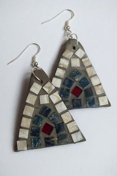 Triangle shaped motley mosaic earrings.