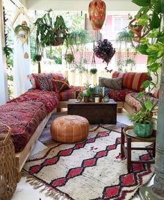 A Cozy Boho Porch | repinned by @wolfandirving