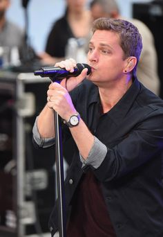 Rob Thomas Photos - Rob Thomas Performs on NBC's 'Today' - Zimbio