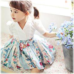 韓国子供服 フェイクツーピース レトロワンピース(花柄スカート)AM01【Amber】【半袖 花柄 春 夏 キッズ 女の子 子ども こども】【即日発送可】