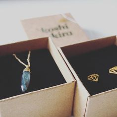 Wenn der Postbote klingelt - Freude am Samstag  und so schöne Stücke  @koshikira  #details #diamonds #earrings #Hamburg #handmade #happysaturday #instadaily #instafashion #jewelry #jewels #koshikira #post #schmuck